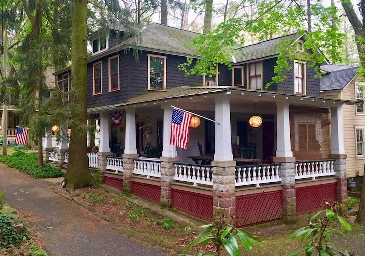 The Mason-Dixon - A Vintage Charming Cottage