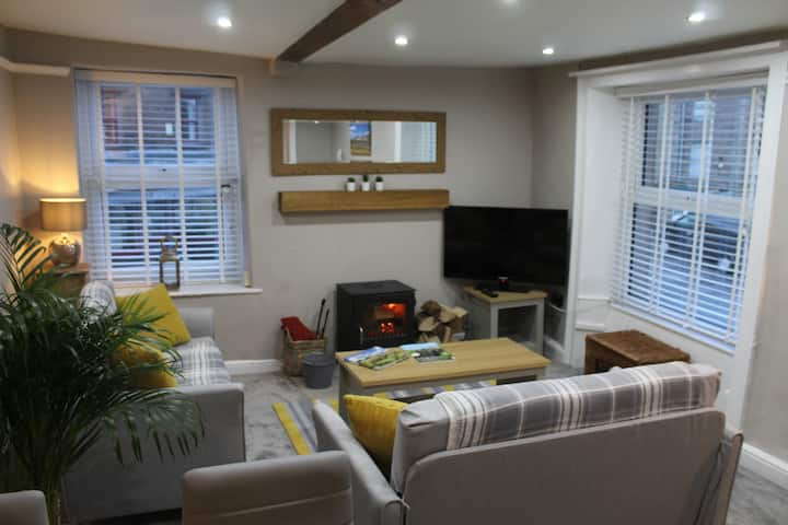 New for 2020. Town centre 2 bedroom apartment
