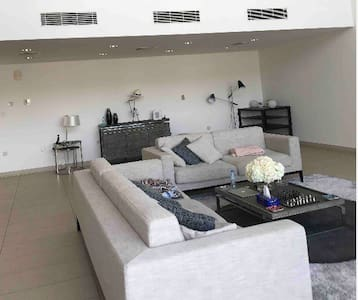 Al zeina pet friendly furnished en-suit room