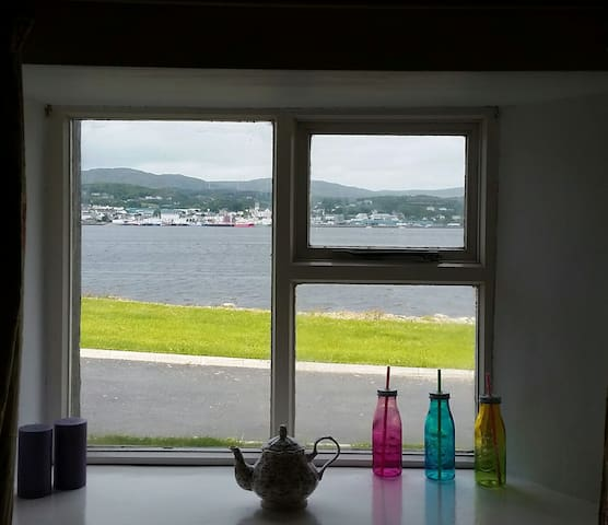 Pier View Apartment (lower) - Killybegs - Apartment