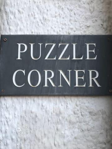 Puzzle Corner, Sandsend