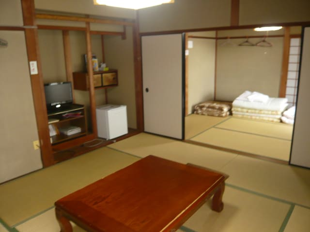 Lakeside Japanese style house<WANI>