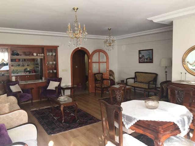Newly decorated luxury apartment in Uskudar
