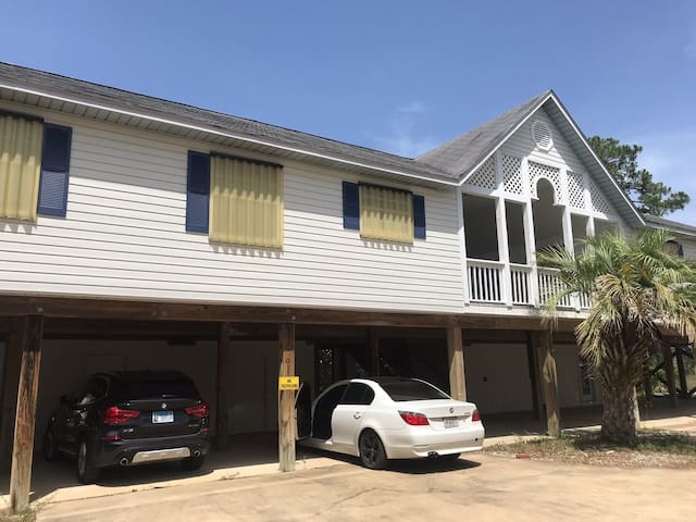 2/2 Duplex on Canal with boat/jet ski launch