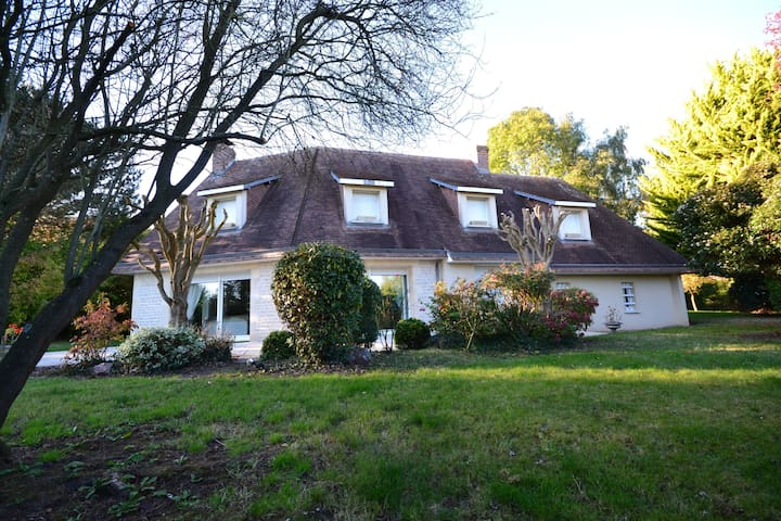 SPACIOUS HOUSE 5 MN FROM DEAUVILLE