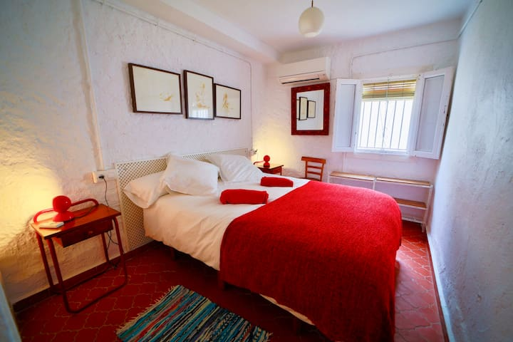 Both bedrooms have air conditioning & heating units