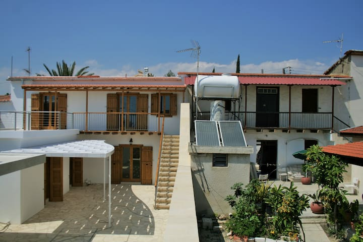 Elisabet Traditional House - Larnaca - Hus