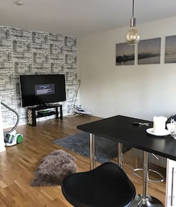 Modern studio apartment, close to everything - Malmö - Wohnung
