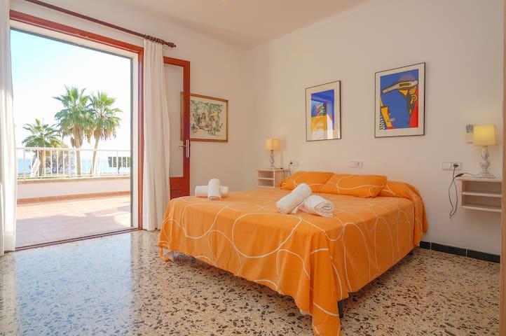 Villa by the sea. Stunning views. Car included! - Alcúdia - Huis