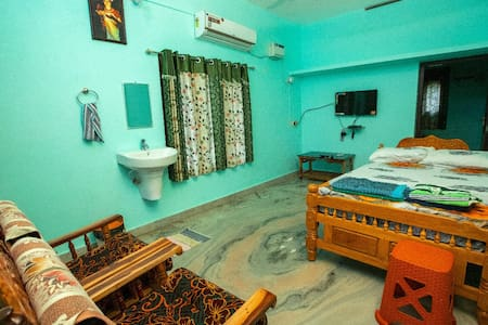 Phoenix Holiday Home  - 2BHK AC Villa 1