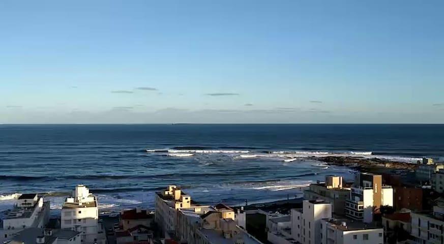 Punta del Este espectacular apto. frente al mar