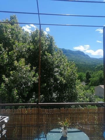 Joli T2 avec balcon,magnifique vue sur la montagne