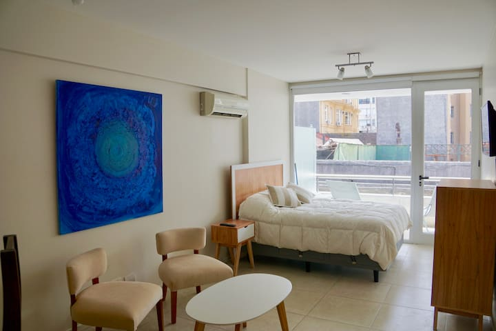 Modern Studio with private Balcony in San Telmo - Buenos Aires - Daire