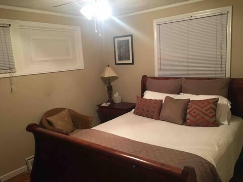 INSTANT BOOK til 11–clean bed & bath—85@ exit 46A