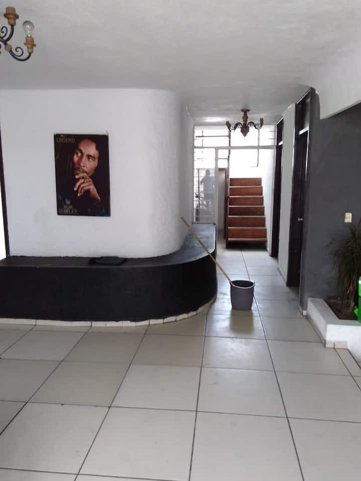 ! CASA CON ALBERCA! // POOL HOUSE