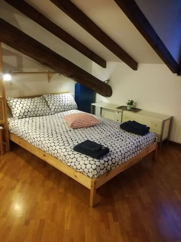 Attic at 5th floor, close to downtown Milan.
