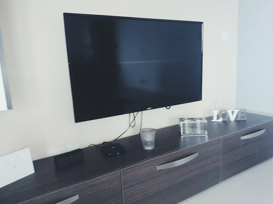 50 inch LCD TV, Android box and Wifi