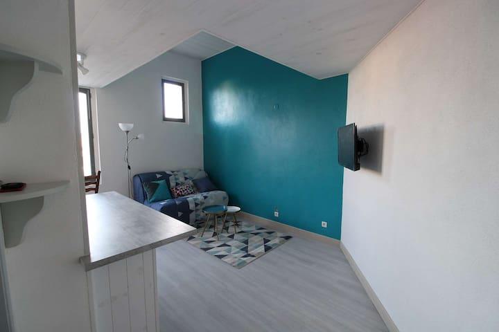 Studio meublé, équipé en location nuitée