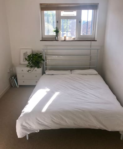 Double Bedroom London Fields, Hackney