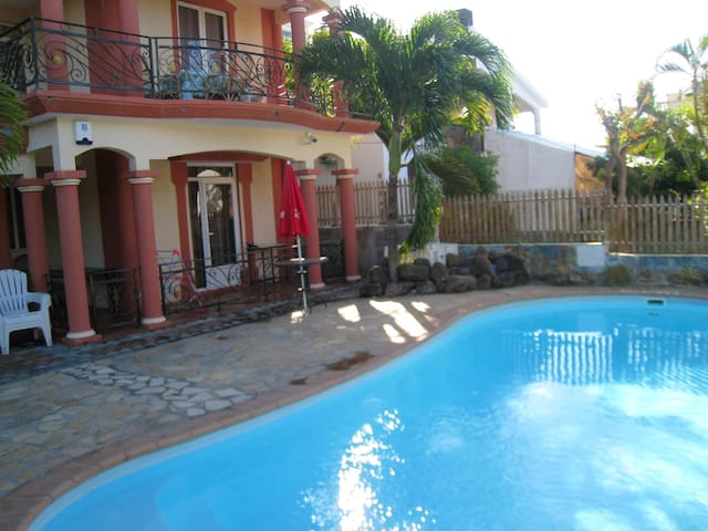 Villa with 3 bedrooms in Grand Baie, with private pool, enclosed garden and WiFi - 500 m from the beach