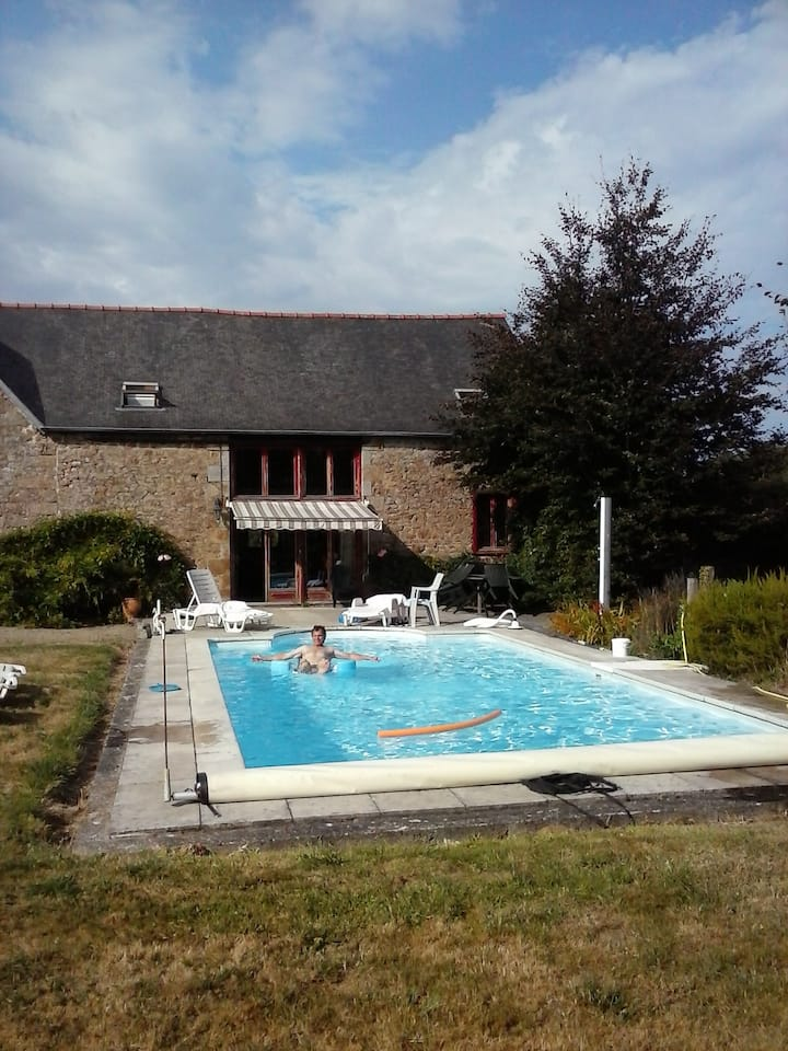 Lovely barn for 6 with private heated pool