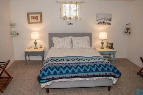 Fairy Room, Spacious Garden-Level Suite, 2.5 acres
