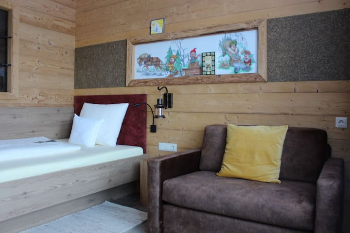 Märchenhotel 3 ***superior (Moorbad Harbach), Wohlfühl-Einbettzimmer