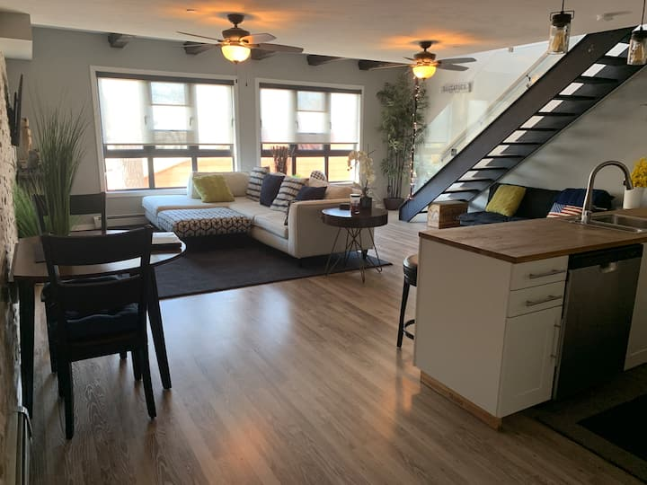 Modern condo in Downtown Saugatuck with waterview.
