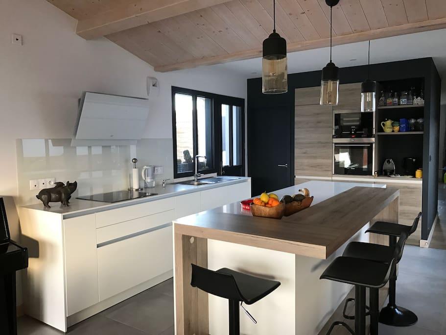 Cuisine / Gourmet Kitchen