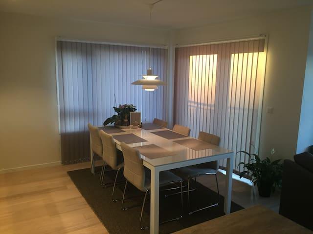 Ny og familievennlig leilighet - Kristiansand - Daire