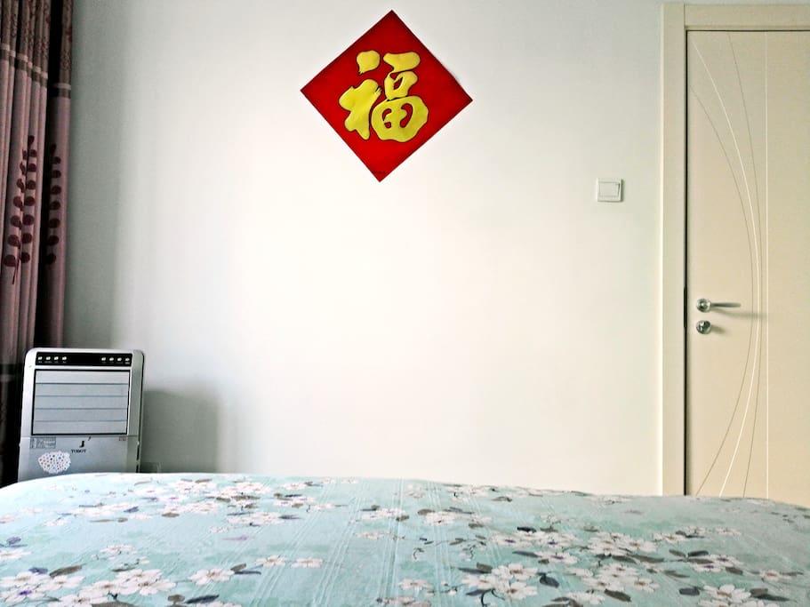 这是您要入住的次卧室