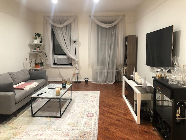 NYC large apt 1 min from train