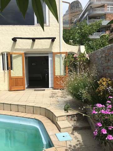 Self Contained Studio Bantry Bay - Kapstadt - Haus