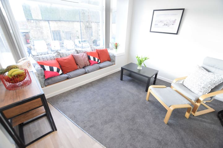 Refurbished 1 bed flat in Lincoln Center
