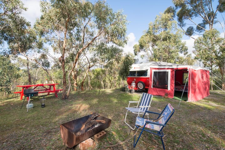Ruby is located in a private and peaceful site surrounded by the beauty of the bush of the Adelaide Hills.