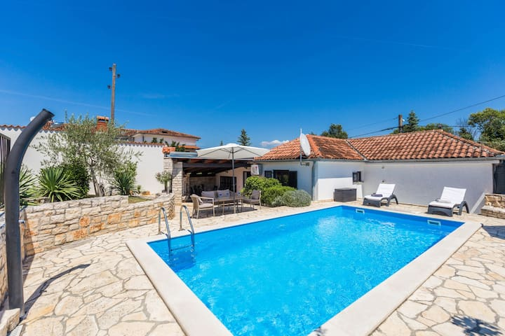 Completely renovated Holiday house Zorzi 4+1