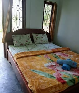 Kembang kuning Cottages Double Room #2