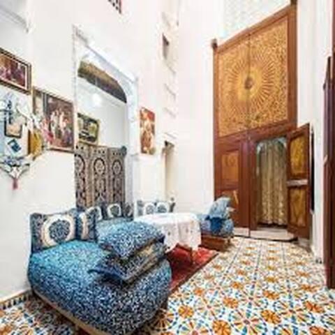 Riad Family Samnoun charming sunny house & rooms