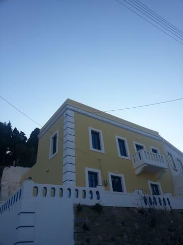 Villa Eleni - Agia Marina - Casa