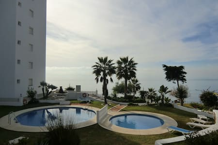 FRONT LINE BEACH STYLISH APARTAMENT - Sitio de Calahonda - Apartment-Hotel