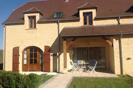 Spacious, modern holiday home - Brantôme