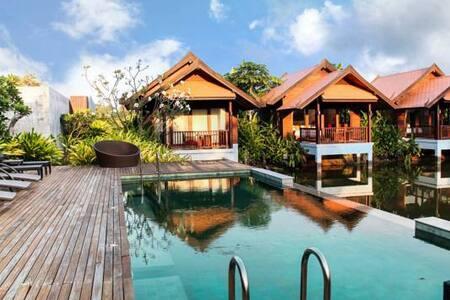 Gorgeous Garden Villa, Lotus Pond View, Maenam