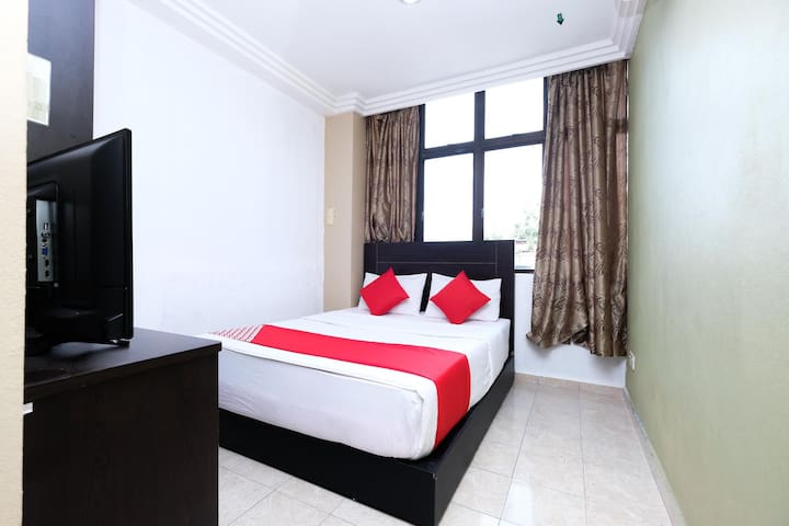 1BR Deluxe Double@ Mr J Hotel Wakaf Che Yeh 2