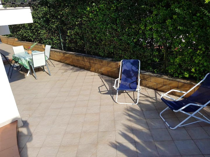 Apartment with one bedroom in Fontane Bianche, with wonderful sea view, enclosed garden and WiFi - 100 m from the beach