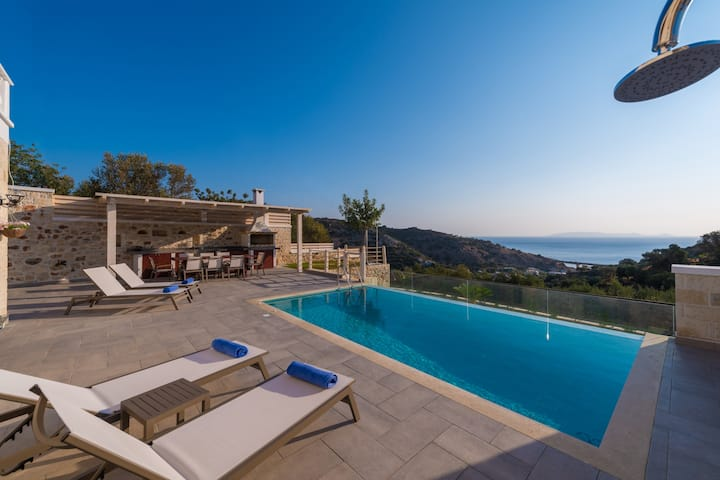 """ERVIN"" Sea view Villa - private swimming pool!"