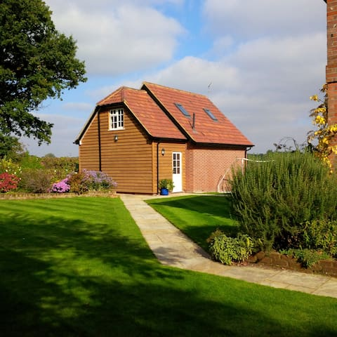 Countryside annex near Stansted - Much Hadham - House