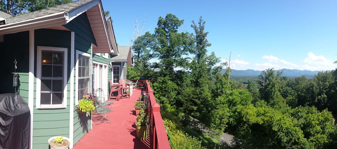Private Mountain Retreat, 15 Mins to Downtown AVL - Candler