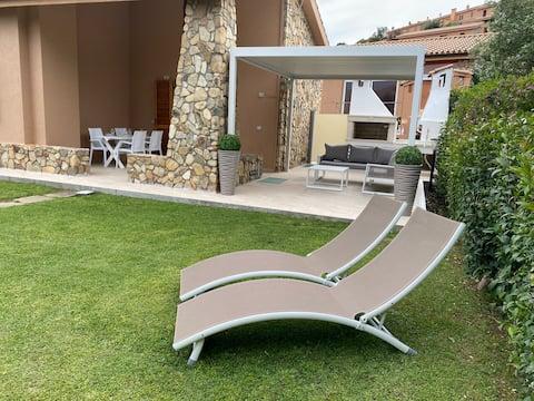 Krásna vila na Costa Rei so záhradou 200 m2