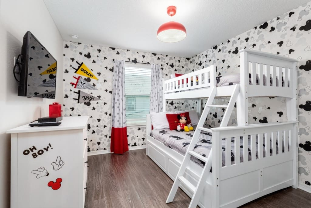 Sanitized Disney Luxury Mickey And Minions Themed Solara 4 Bedrooms Private Pool No Carpet Townhouses For Rent In Kissimmee Florida United States