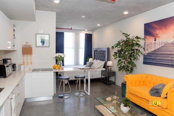 Cozy New Studio - A / C. Excellent Location